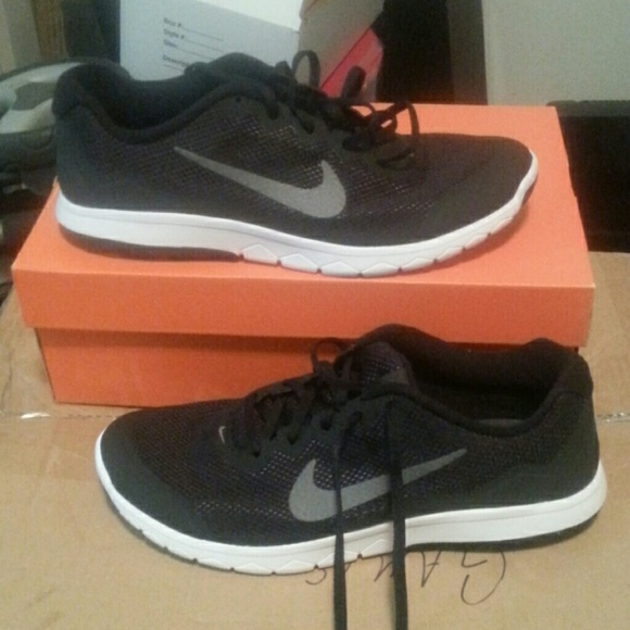 Nike Mens Running Shoes. Size 10.