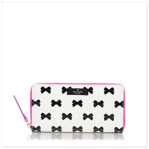  Kate Spade daycation bow wallet