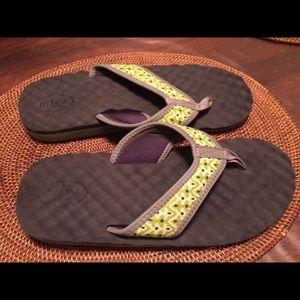 7c15c7b44062 Clarks Shoes - Privo by Clarks flip flops size 8