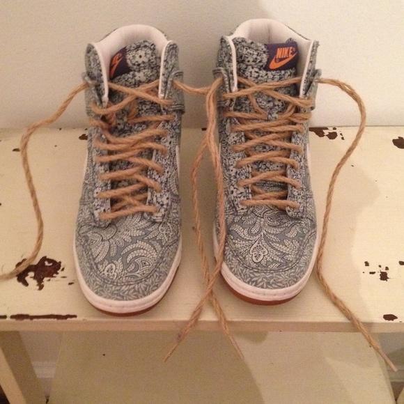 separation shoes 447e9 f5721 Nike Dunk Sky Hi Liberty Hidden Wedge Sneaker. M 56c53a6836d59440a80027f7