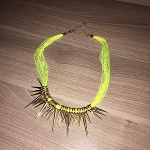 Clearance - ✨ Neon yellow spike necklace. ✨