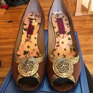 Dressy brown and metal detailing shoes by Kenzo