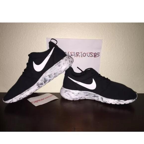 detailed look f8575 c37e5 SALE NEW Nike iD Roshe FLEECE sneakers Wmns 8.5. M 56c5ee5b729a6630ed00fe77