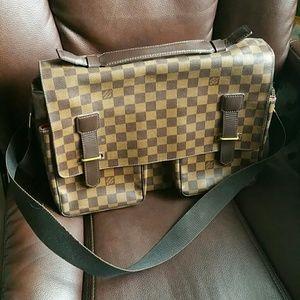 Yves Saint Laurent - Yves Saint Laurent Brown Leather Handbag from ...