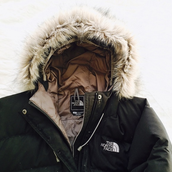 d82d11317 The North Face • Short Down Jacket
