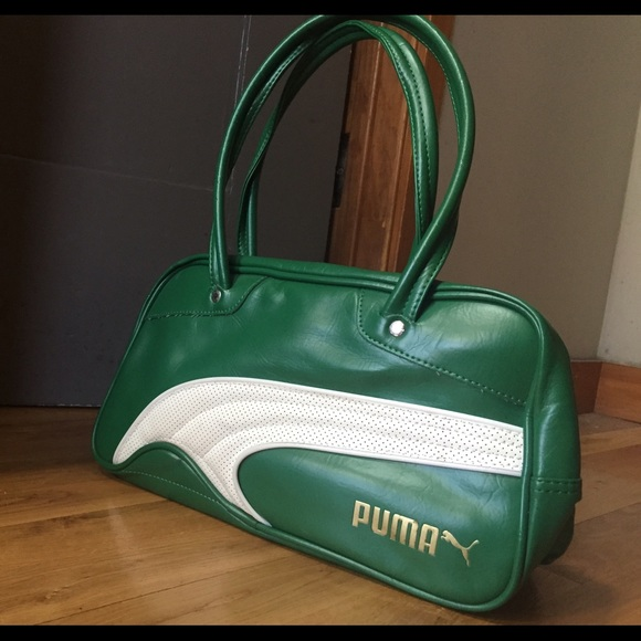 13c47d0b63d7 Green Retro Puma Purse. M 56c626b2680278209b014bca