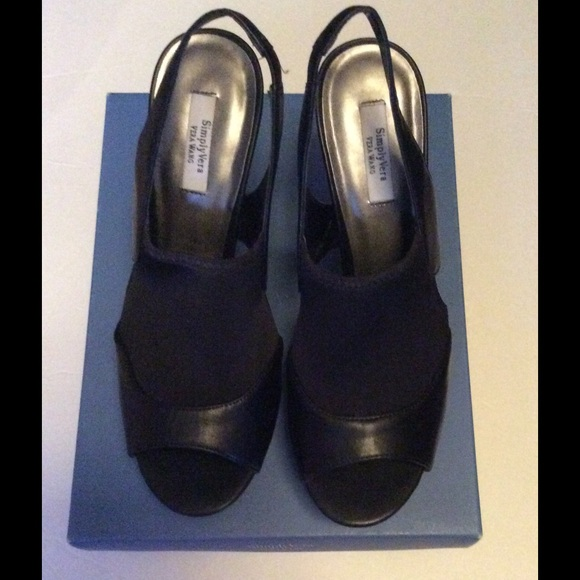 Simply Vera Vera Wang Black Heel Shoes