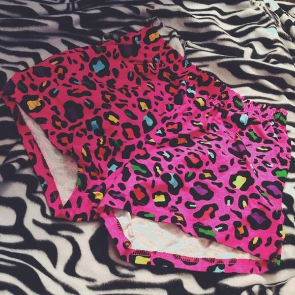 d8dde0d16a36 Hot Pink Rainbow Leopard Print Soffe Shorts. M 56c6557713302a809a0016ec