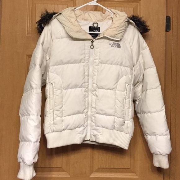 51407a9e8 Northface White Winter Puffer Jacket w/ Fur Hood