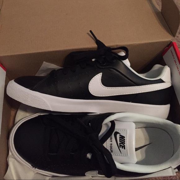 f81f7f5b4aa0 Nike Court Tour Skinny Shoes