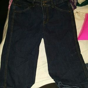 Dark Wash Capri Jeans