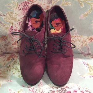 Rocket dog maroon loafers