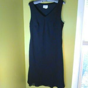 Robbie Bee Dresses & Skirts - Robbie Bee Little Black Dress