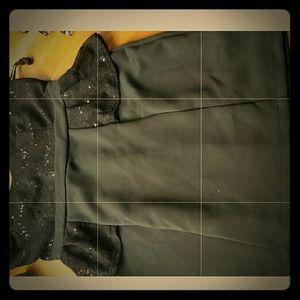 Dresses & Skirts - Black elegant spaghetti strap dress