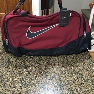 Nike Bags - Nike Big Medium Size Gym/Tote/ Travel Bag