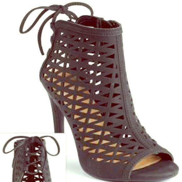 ae085506d218 LC Lauren Conrad Women s Ghille Dress Shoe