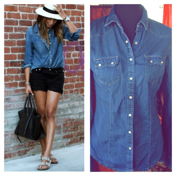 abf3195601 Forever 21 Tops - F21 Pearl Snap Button Up Denim Shirt