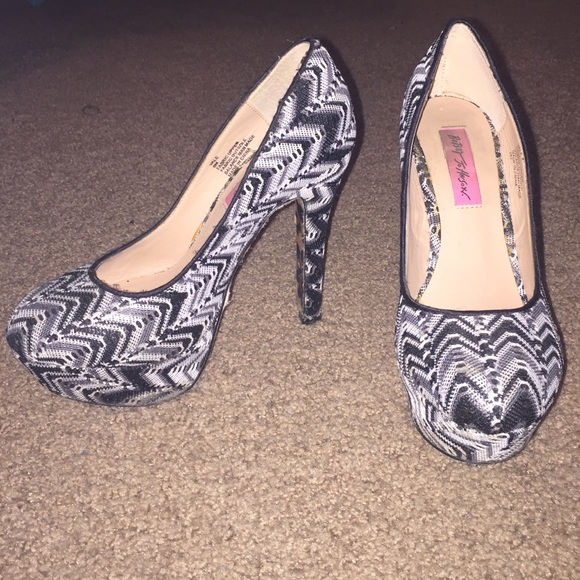 Betsey Johnson Shoes Black And White Patterned Heels Poshmark Best Patterned Heels