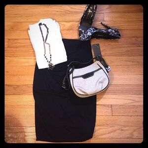 Mossimo black slimming skirt.