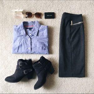 ⬇️Tommy Hilfiger • Blue Button Down Shirt