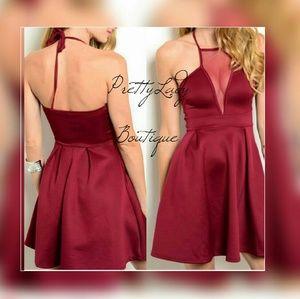 Temporary Price⬇Beautiful burgundy dress