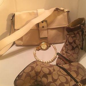 Francesco Biasia Handbags - Francesco Biasia Beige Leather Purse