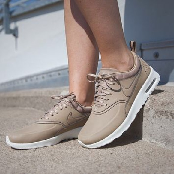 nike air max thea tan