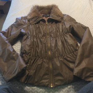 Sz m forever 21 coat with faux fur collar