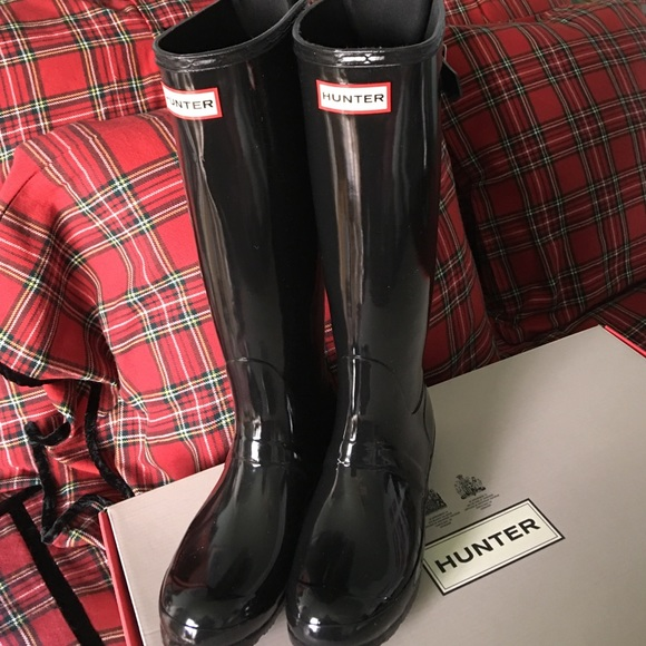 c78092991b0 Hunter adjustable back strap boots black gloss.