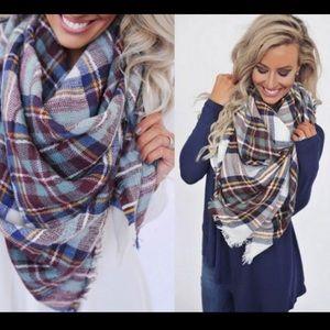 Accessories - Plaid Blanket Scarf - White Plaid