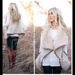 Boutique Jackets & Blazers - New faux fur vest sleeveless jacket coat shearling