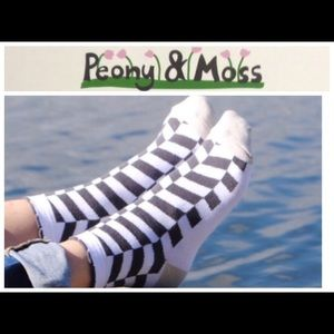 "Peony and Moss Accessories - Peony & Moss ""Harringbone ""Crew Socks"