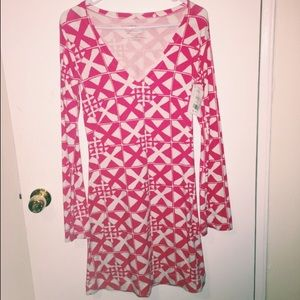 Pretty long sleeve pink and white dress