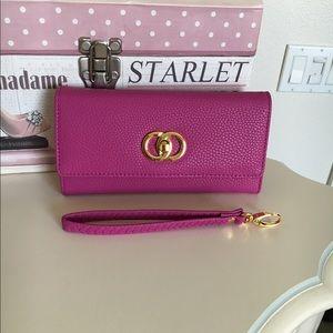 Handbags - Pink wallet 💕💕
