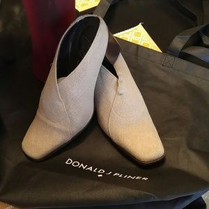 Donald J Pliner heels. Quick sale