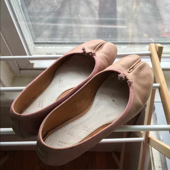 5416dc5b58a Maison Martin Margiela Shoes - Martin Margiela Tabi Flats in Light Pink