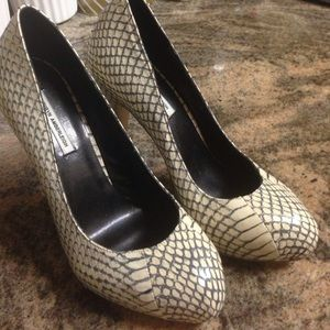 Kathryn Amberleigh Snake skin pumps shoes