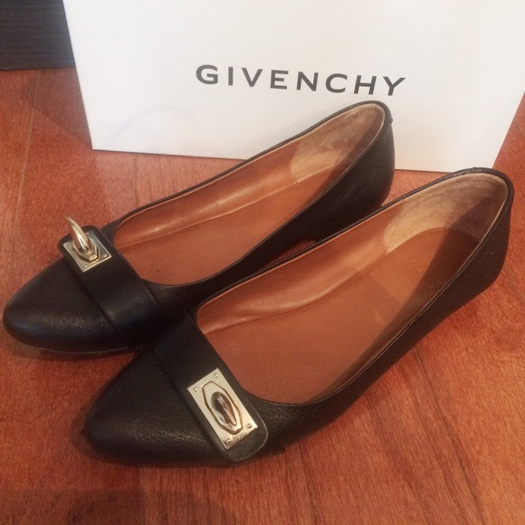 discount 2014 100% guaranteed sale online Givenchy Suede Shark-Lock Flats WKKDF6Sg
