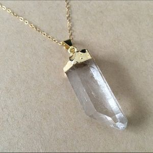 Jewelry - 🎉HP🎉 Quartz Crystal Spike Pendant 14K Gold Chain