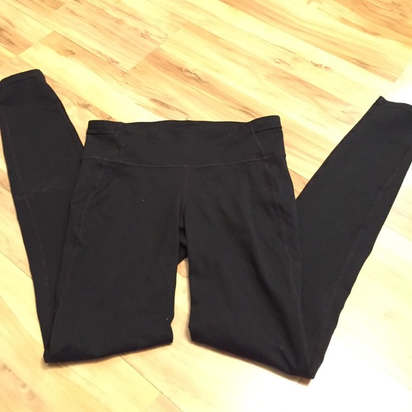 91% off GAP Pants - GapFit Gap Black Workout Yoga Pants Leggings ...