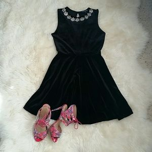 one clothing Dresses & Skirts - $$ Final price! Chic embellished velvet dress $$