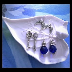 Jewelry Boutique Jewelry - 💙 3 pairs of earrings