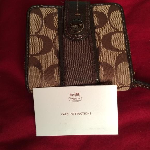 Coach Handbags - 💯Authentic COACH Monogram Canvas Wallet