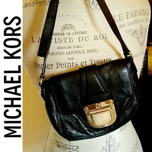 |SALE| Michael Kors Leather Crossbody Bag