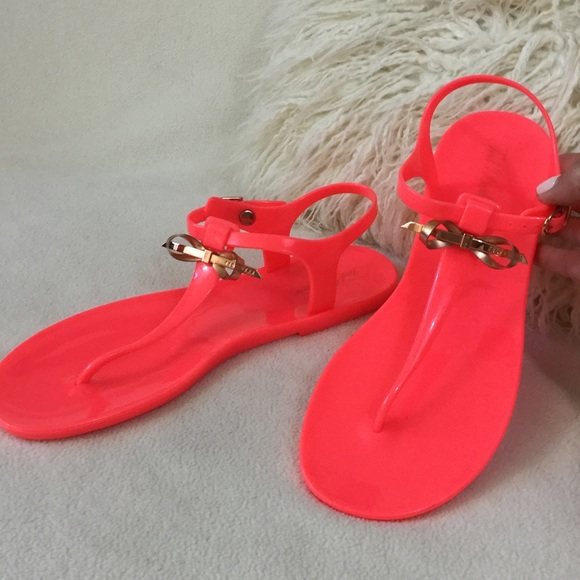 8704b6687230 Ted Baker BRAND NEW neon jelly bow sandals. M 56ca4164feba1fd996057850