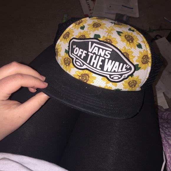 fa30824a768 Vans sunflower SnapBack hat. M 56ca5ebdf739bcd7d00107a0