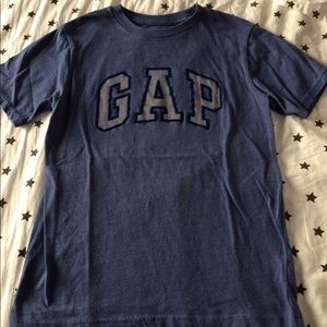 Kids size T-shirt size 8 years old like new