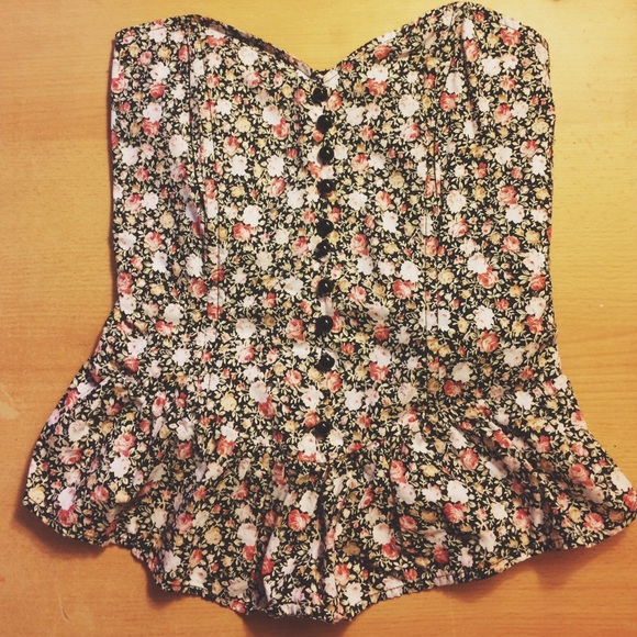 652fe178ad Monteau floral tube top. M 56d1e54af739bc3bfd005b84