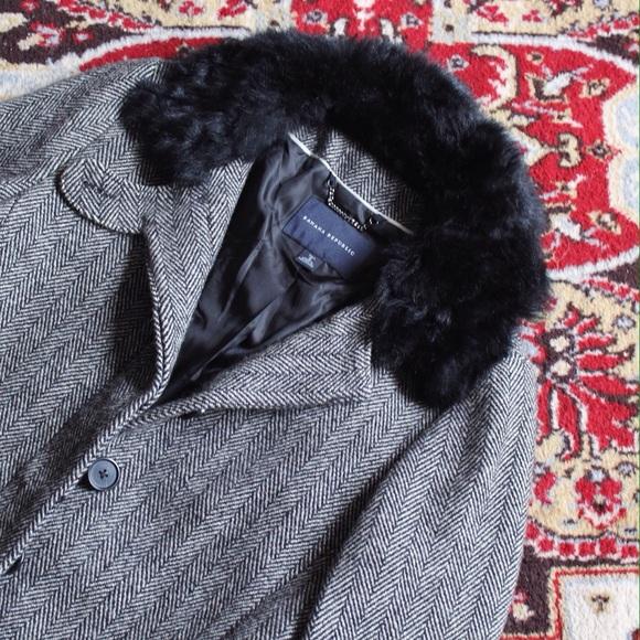 Banana Republic Jackets   Blazers - Banana Republic Long Wool Coat  Fur  Collar 49ca14a6b4