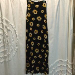 Dresses & Skirts - Sunflower maxi skirt